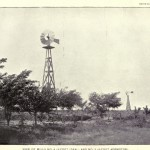 Ansicht der Mühlen Nr. 4 (8-foot Ideal) und Nr. 5 (8-foot Aermotor)